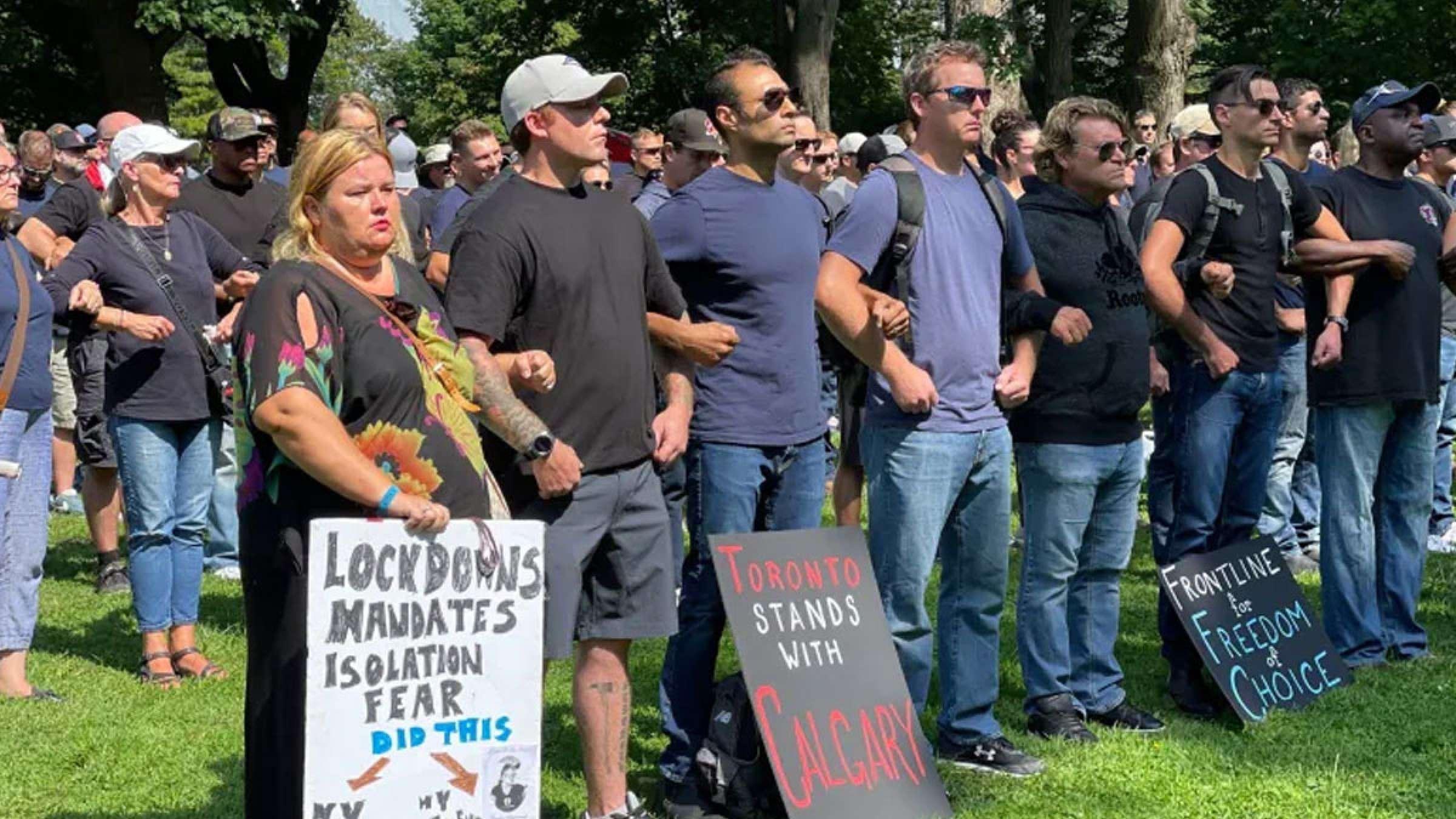 خبر-کانادا-تظاهرات-هزاران-بیمارستان-سراسر-کانادا-دعوت-پرستاران-خط-مقدم-علیه-کرونا-واکسن