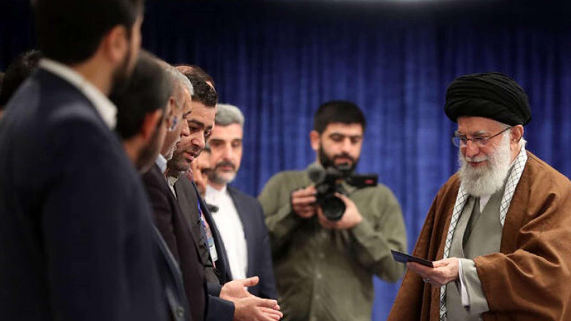 گزارش-تحلیلی-ایران-پیدا-و-پنهان-شیوع-انفجاری-کرونا-در-ایران