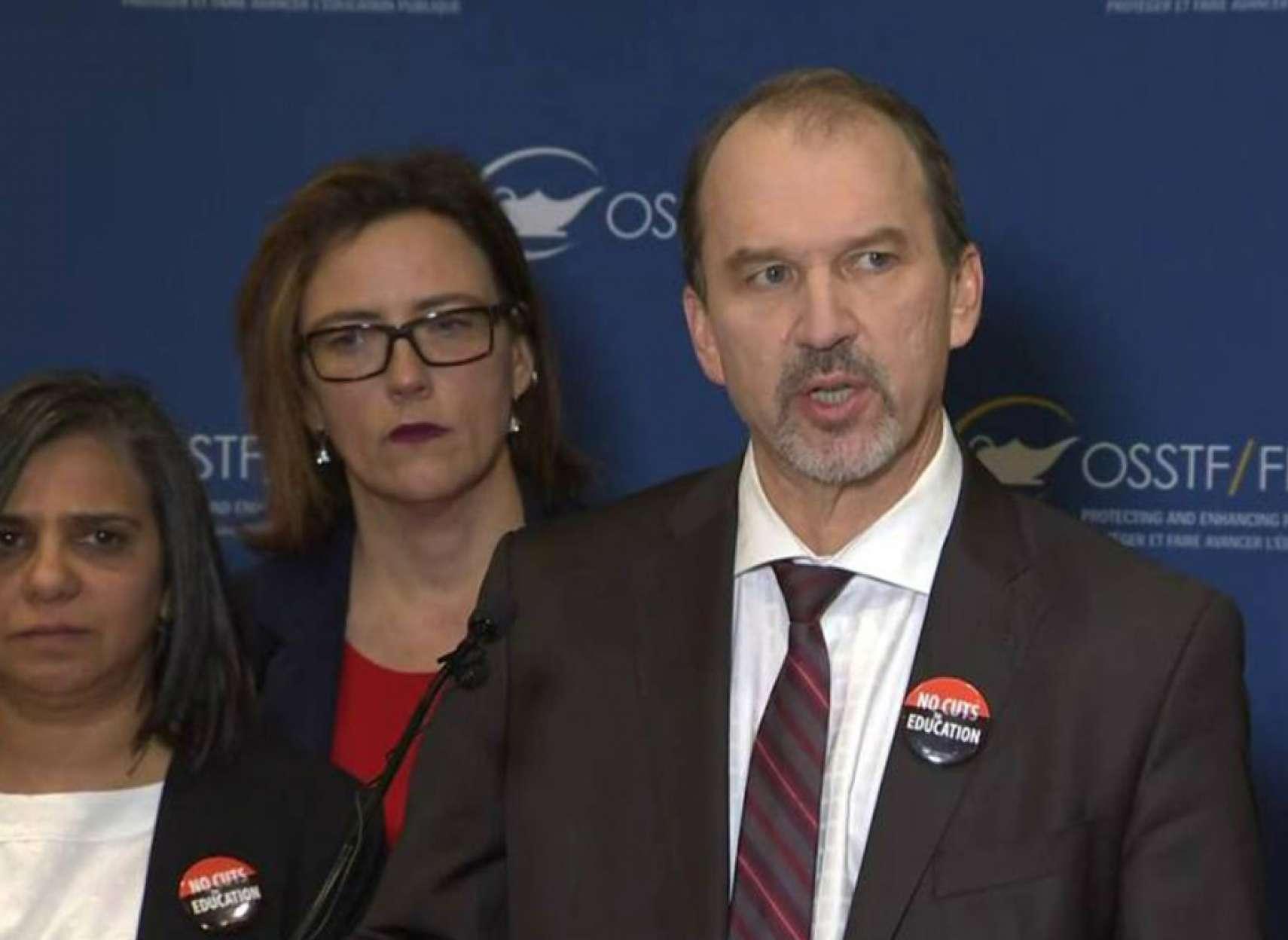 اخبار-تورنتو-دبیرستانهای-انتاریو-11-دسامبر-هم-یکروزه-اعتصاب-کردند