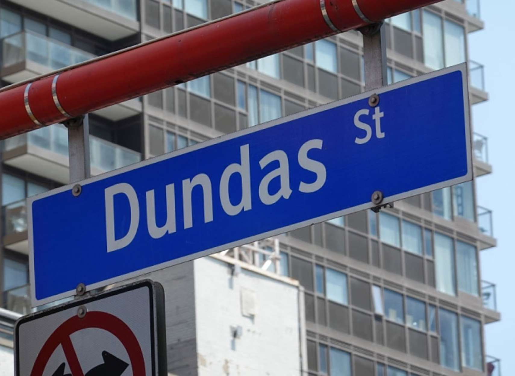 خبر-تورنتو-شورای-شهر-تورنتو-رای-به-تغییر-نام-خیابان-و-کل-اسامی-دانداس-داد