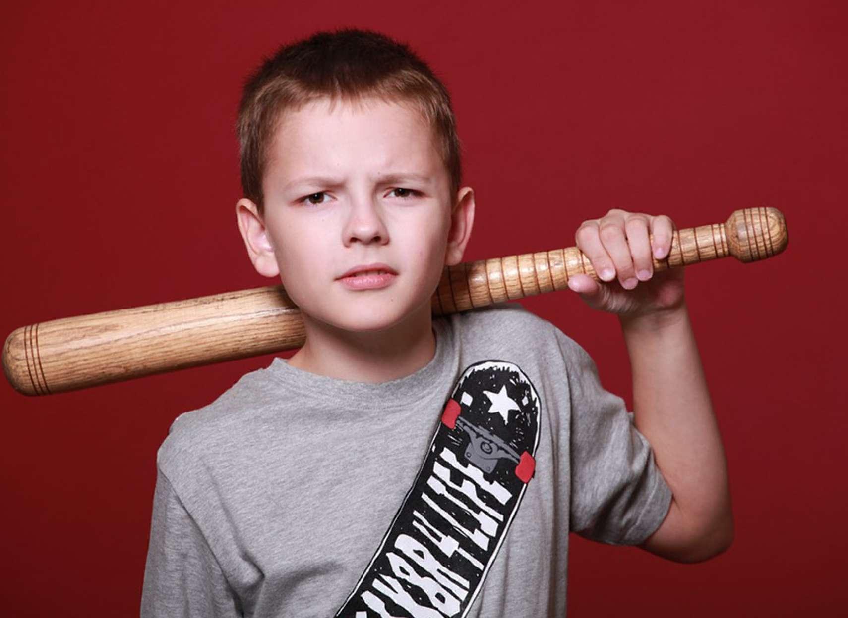 روانشناسی-داعی-چگونه-به-یک-پسربچه-عصبانی-کمک-کنیم