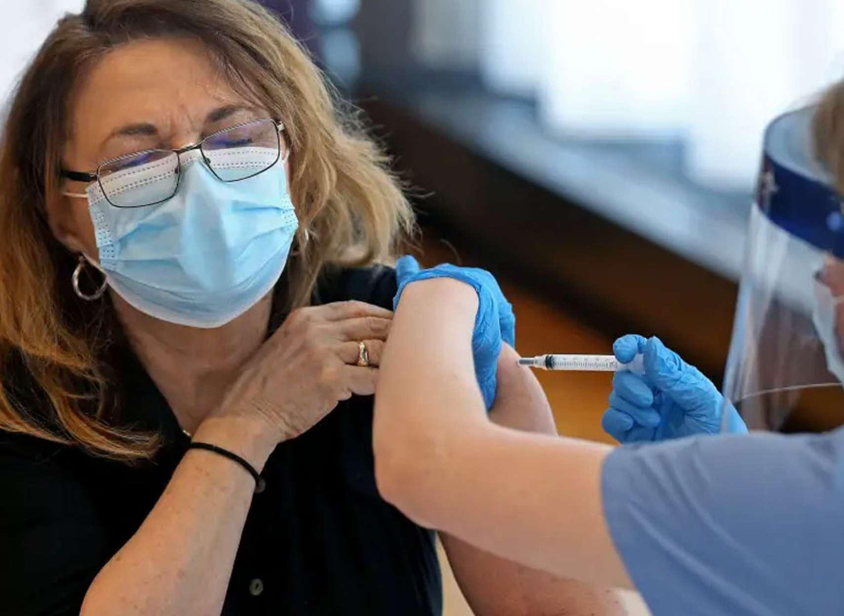 علمی-چرا-تاثیر-واکسن-روی-زنان-با-مردان-متفاوت-و-نگران-کننده-است