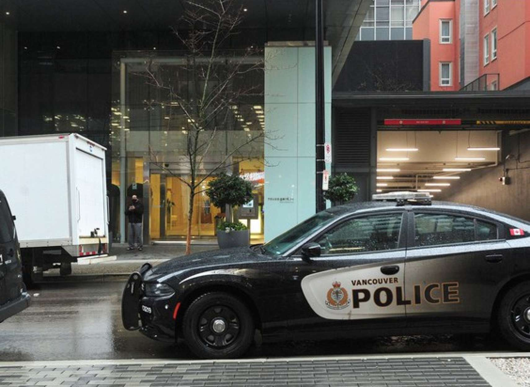 دستگیری-فردی-به-نام-محمد-موثقی-در-ونکوور-به-اتهام-راه-اندازی-کلوپ-شبانه- جریمه- 17 -هزار- دلاری- برای-77 -نفر- به- دلیل- دور- زدن- قوانین- علیه- کرونا-