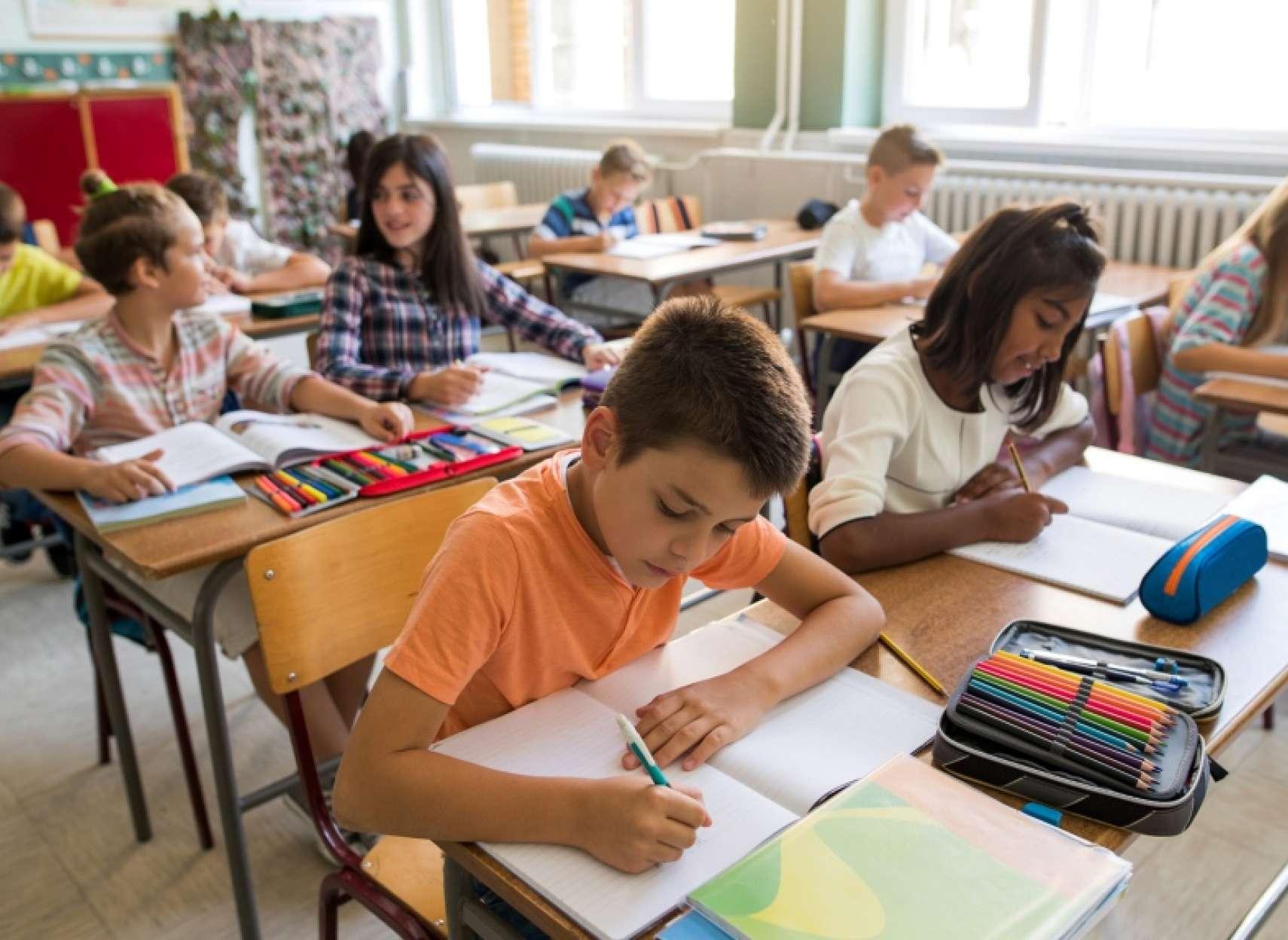نگرانی-ها-درباره-شیوع-کرونا-در-اونتاریو-پس-از-بازگشایی-مدارس-منتقدان-از-شیوع-کرونا-در-مدارس-کبک-شاهد-مثال-می-آورند