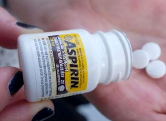 پزشکی-دانشمندان-همه-سالمندان-برای-پیشگیری-از-حمله-قلبی-و-سکته-مغزی-نباید-روزانه-آسپرین-بخورند