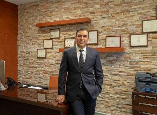 پزشک-ایرانی-که-سرطان-را-به-زانو-درآورد-دکتر-نادر-جوادی-مصاحبه