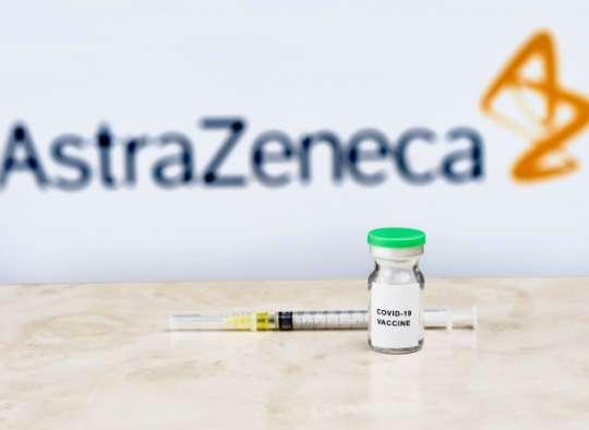 استفاده-از-واکسن-آسترازنکا-در-کانادا-برای-افراد-65-سال-به-بالا-توصیه-نمی-شود-حرف-نهایی-درباره-استفاده-آسترازنکا-را-چه-کسی- می-زند