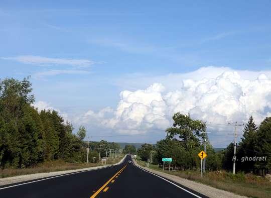 بسوی درخت و آسمان و ابر